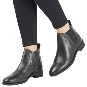 Topshop | Kaiser Chelsea Boots in Black